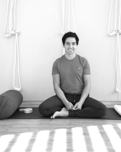 Yogatherapie in Innsbruck mit Marco Längst
